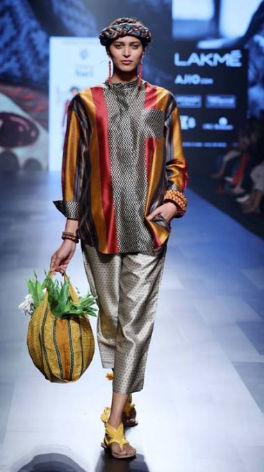 sari-pajama-set-cool-outfit-recycled-fashion-Reincarnations Show-LFW SR 17
