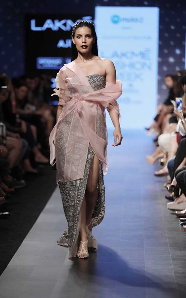 slit-gown-falgubi shane peacock-lakme-fashion-week-2017-summer-resort-collection-shoulder-silver