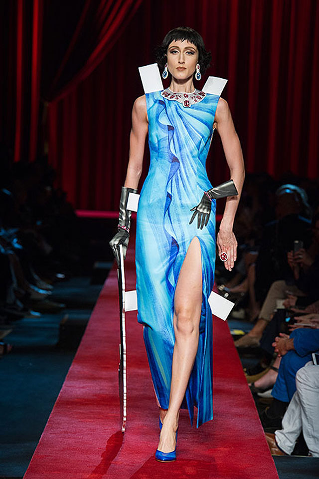 slit-gown-trend-latest-moschino-pring-summer-2017-ss17-collection-53-blue-slit-dress