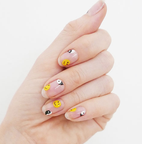 smiley-art-negative-space-latest-trends-in-nail-art-2017-sally-hansen