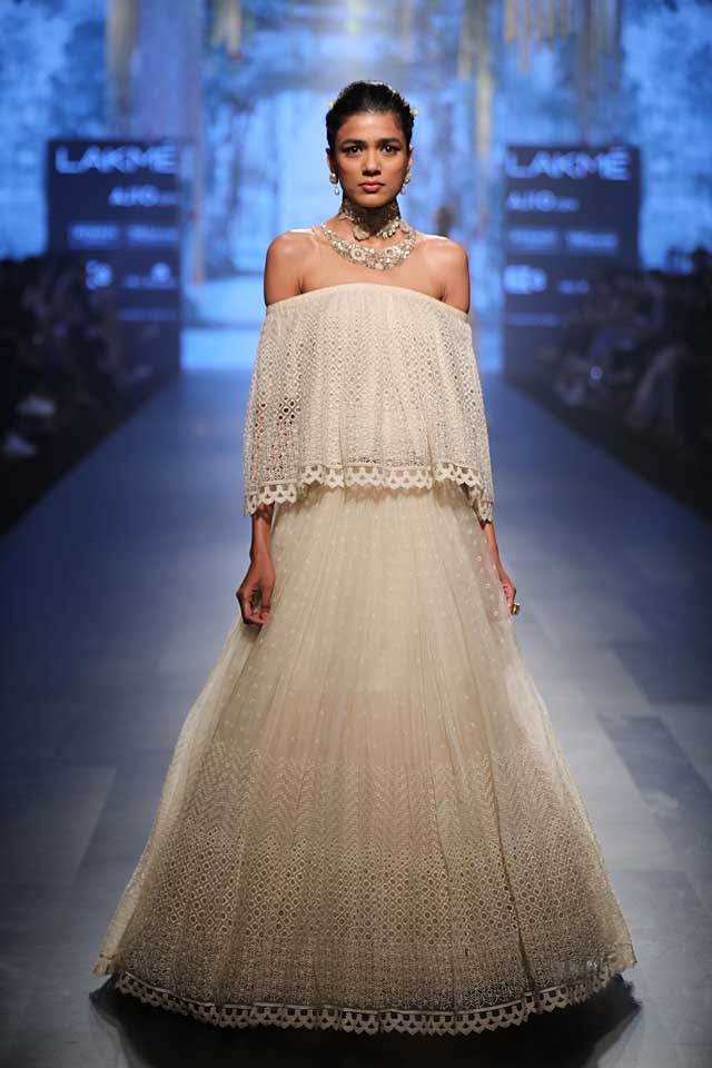 strapless-white-top-long-embellished-skirt-tarun-tahiliani-lakme-fashion-week-2017