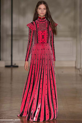 valentino-fw17-rtw-fall-winter-2017-18-collection-61-red-black-gown