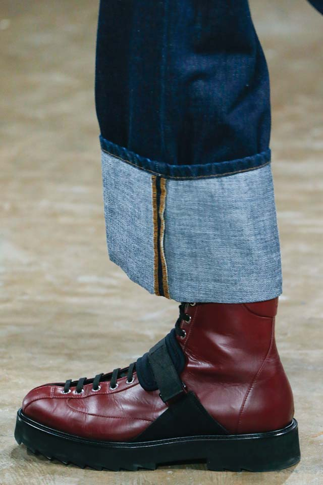 versus-versace-details-accessories-fall-winter-2017-fw17-rtw-collection (51)-mens-shoes