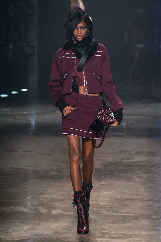 versus-versace-fw17-rtw-fall-winter-2017-collection-outfit (22)booties-crop-jacket