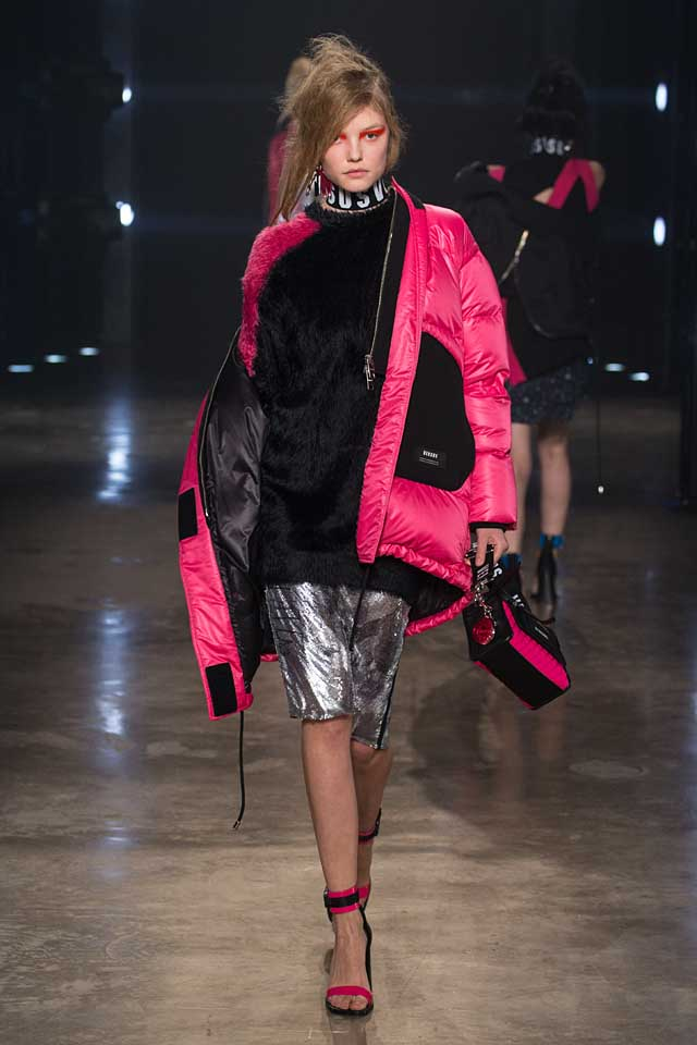 versus-versace-fw17-rtw-fall-winter-2017-collection-outfit (37)-pink-jacket-silver-metallic-skirt