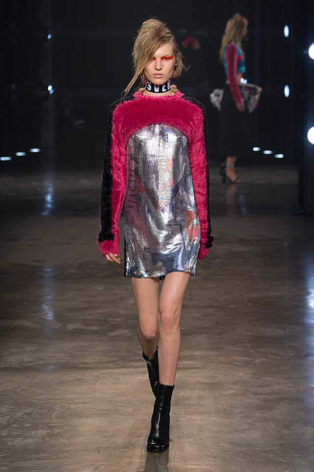 versus-versace-fw17-rtw-fall-winter-2017-collection-outfit (38)-metallic-silver-pink-dress