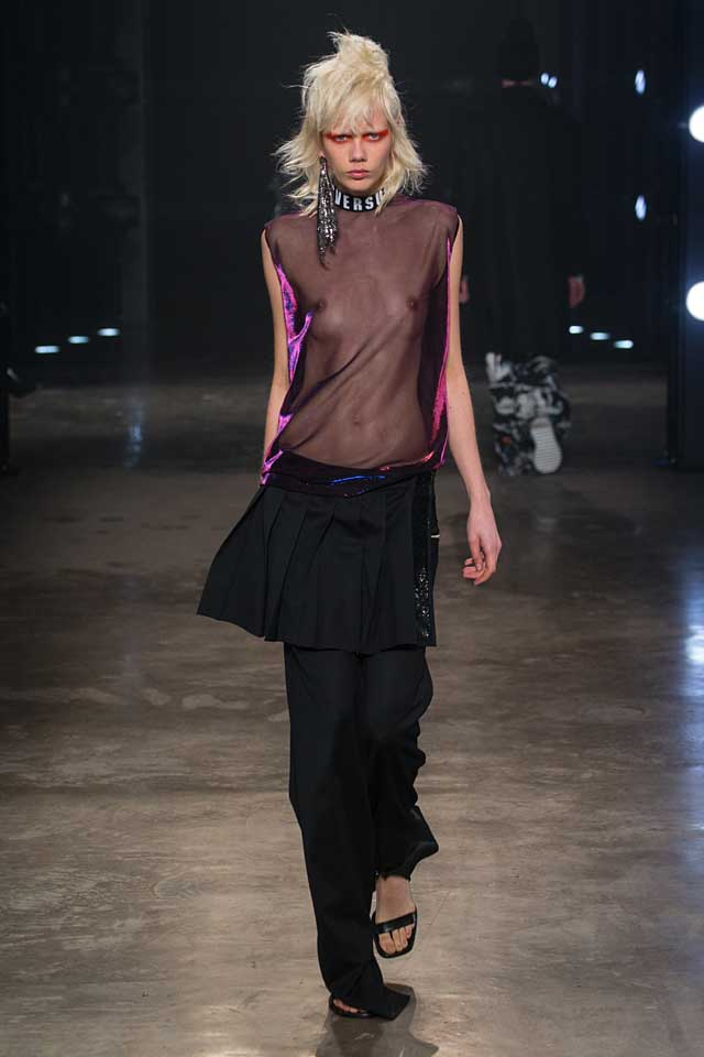 versus-versace-fw17-rtw-fall-winter-2017-collection-outfit (44)-sheer-top-logo-choker
