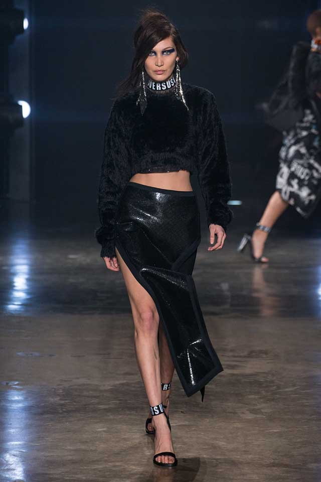 versus-versace-fw17-rtw-fall-winter-2017-collection-outfit (48)-bella-hadid-slit-skirt-leather-crop-sweater