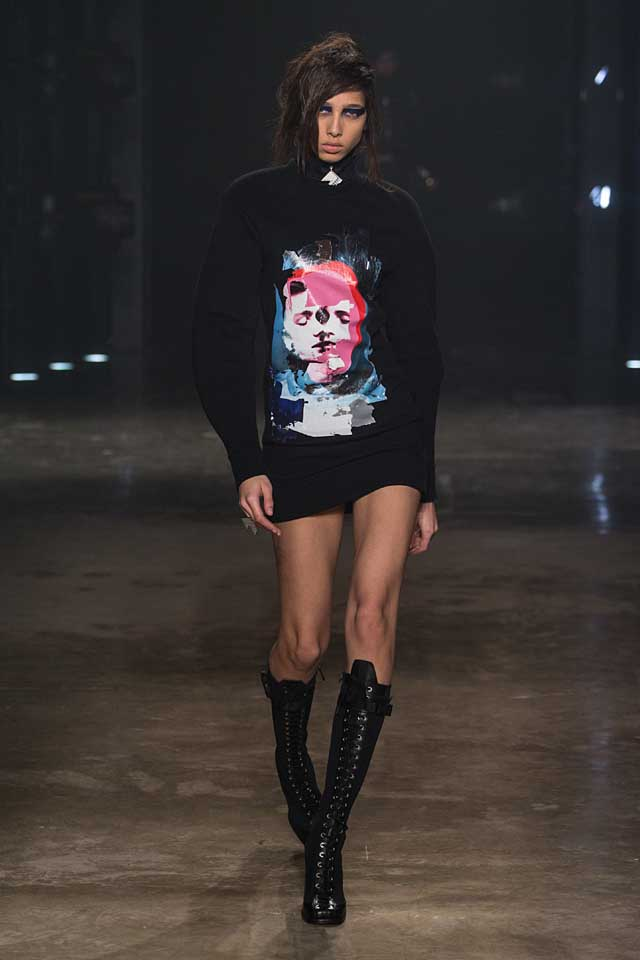 versus-versace-fw17-rtw-fall-winter-2017-collection-outfit (5)-sweater-dress-graphic