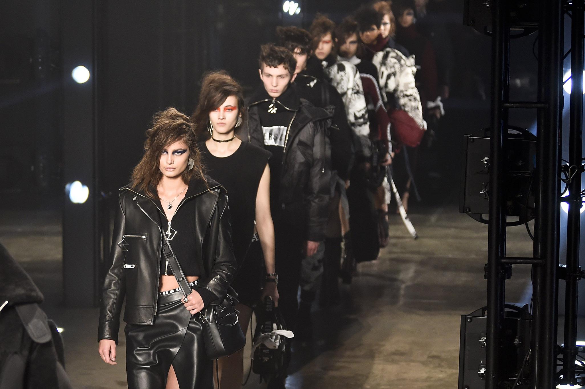 Versus Versace RTW Fall 2017