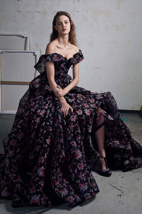 zac-posen-fw17-rtw-fall-winter-2017-18-collection (35)-floral-printed-gown