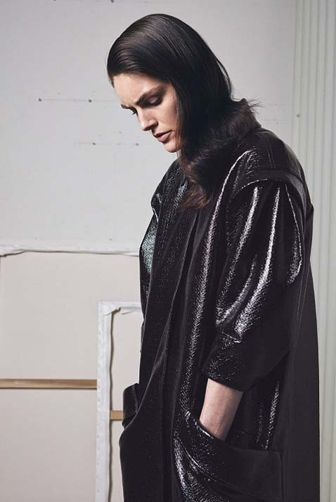 zac-posen-fw17-rtw-fall-winter-2017-18-collection (9)-black-leather-jacket