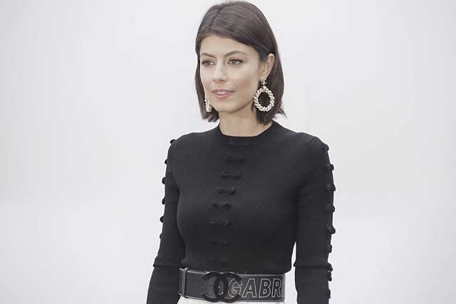 17-Alessandra Mastronardi-chanel-fw17-rtw-fall-winter-2017-18-collection-celeb-style