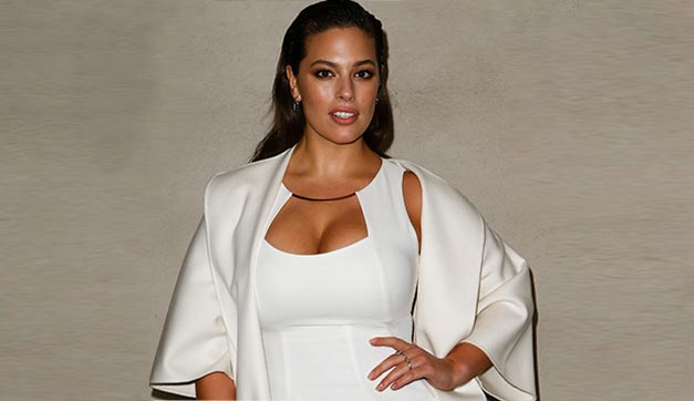 ASHLEY-GRAHAM-max-mara-fw17-rtw-fall-winter-2017-white-dress-celeb-makeup-guests-fashion-show