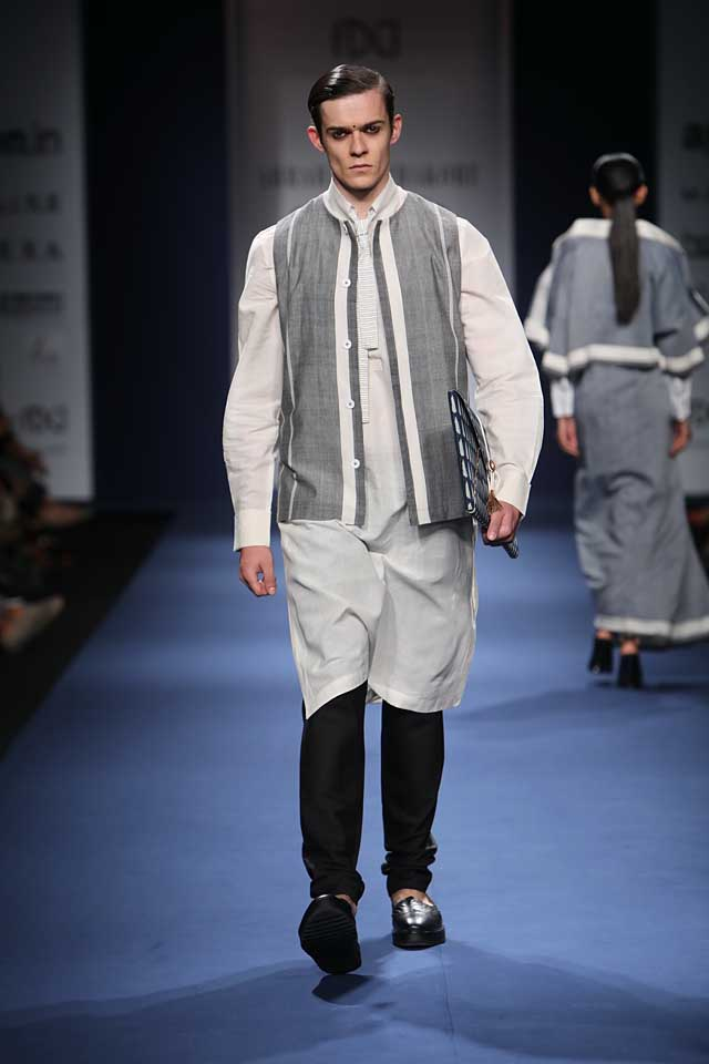 Abraham-Thakore-aifw-2017-fashion-show-designer-indowestern-dresses (4)-kurta-bag-shoes