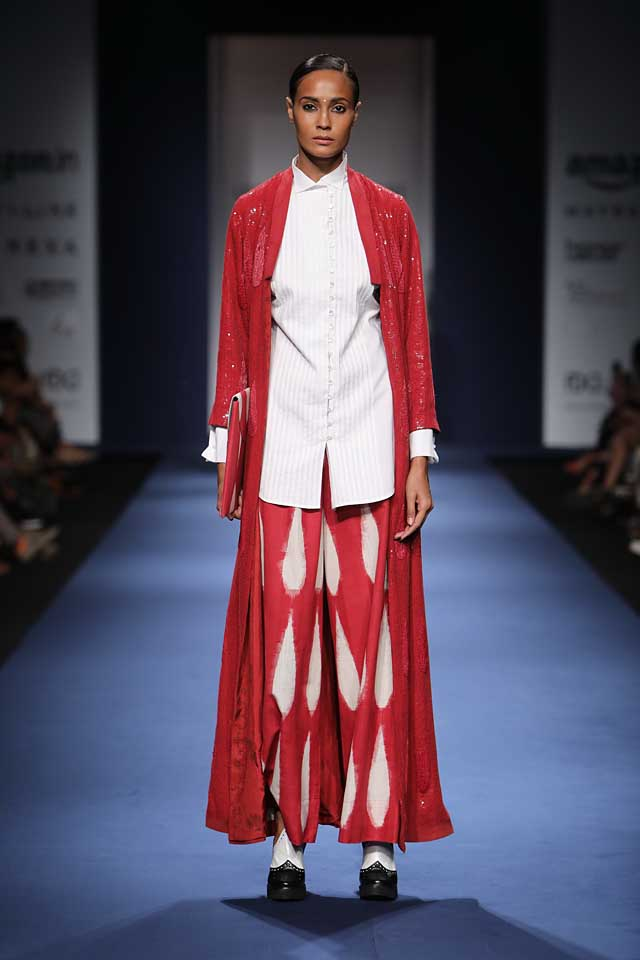 Abraham-Thakore-aifw-2017-fashion-show-designer-indowestern-dresses (5)-formal-shirt-red-outfit