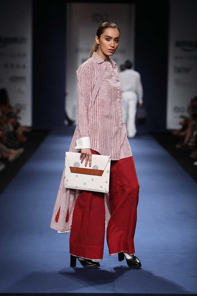Abraham-Thakore-aifw-2017-fashion-show-designer-indowestern-dresses (8)-pretty-bag-stripes-shirt
