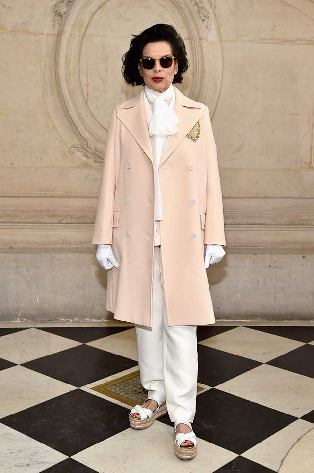 Bianca Jagger-dior-fw17-rtw-fall-winter-2017-celeb-style-gloves-white-sunglasses
