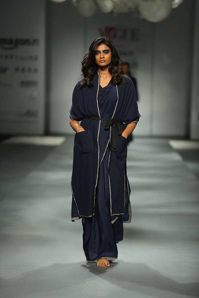 Bodice-coat-blue-amazon-india-autumn-winter-2017-collection-fashion-show