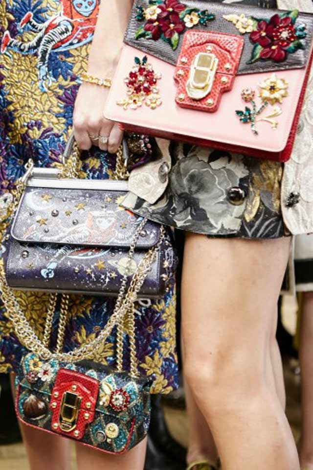 Dolce-gabbana-fall-winter-2017-double-bags-chain-strap-rtw-latest-trends-in-handbgas