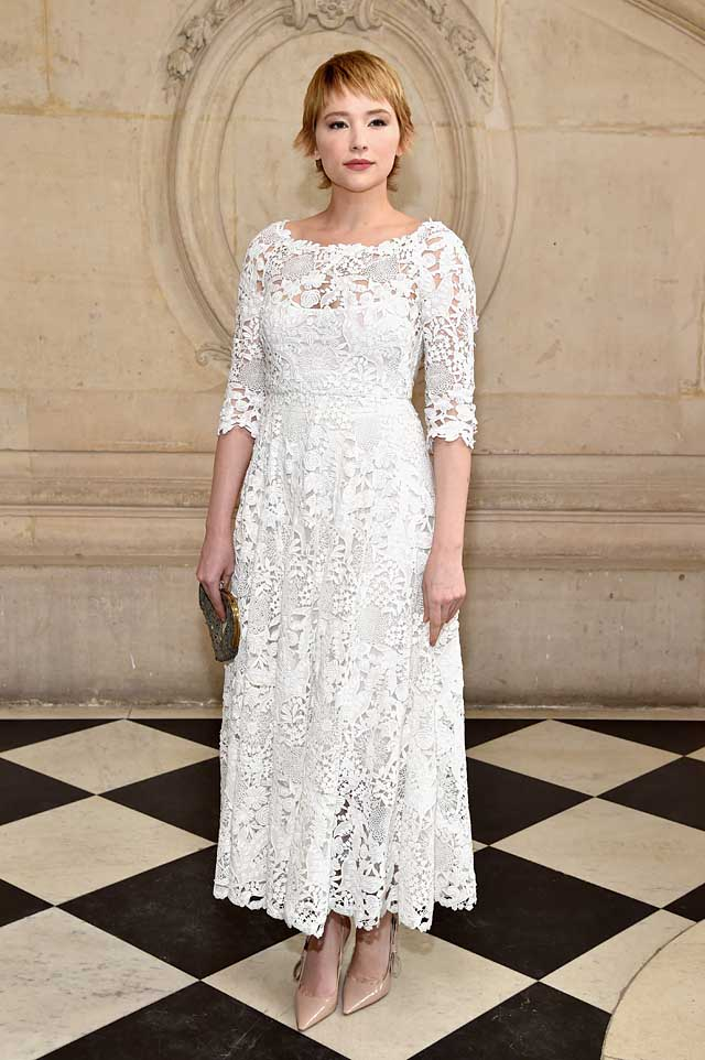 Haley-Bennett-lace-dress-celebrity-hairstyle-dior-fw17-rtw-fall-winter-2017-celeb-style