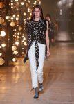 Isabel-Marant-fw17-fall-winter-2017 (7)-printed-top-white-pants-grey-pumps
