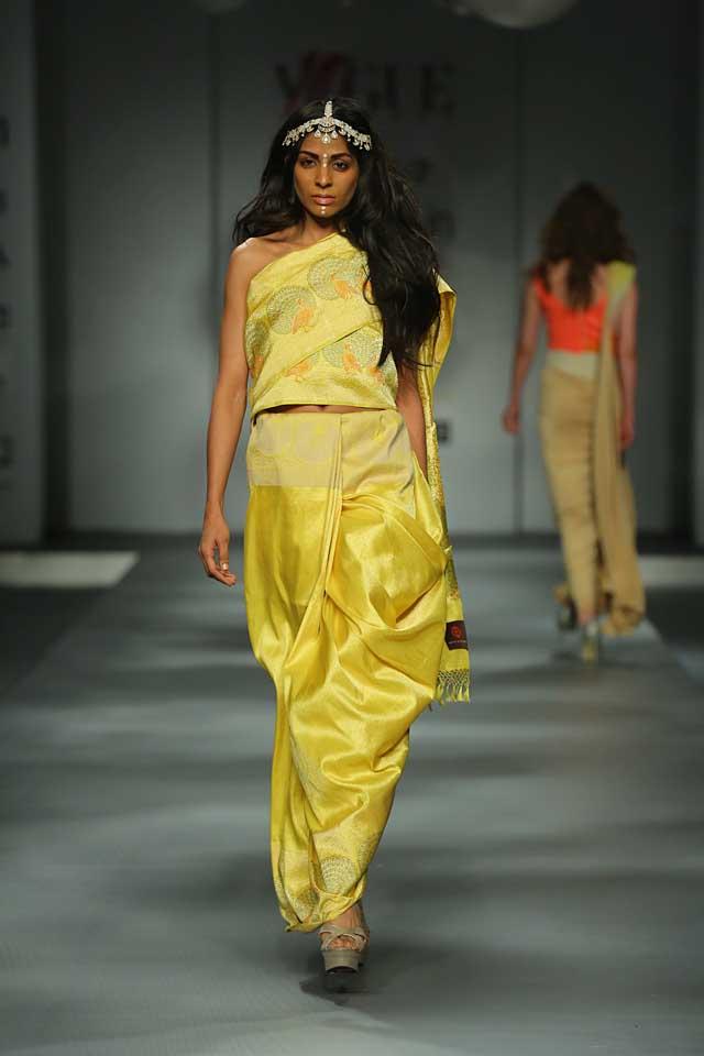 Swati and Sunaina-yellow-saree-strapless-blouse-amazon-india-autumn-winter-2017-collection-fashion-show