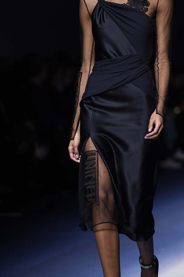 Versace-fw17-rtw-fall-winter-2017-18-accessories-details-collection (29)-black-sheer-dress