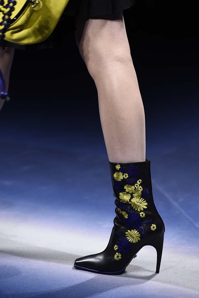 Versace-fw17-rtw-fall-winter-2017-18-accessories-details-collection (31)-floral-patchwork