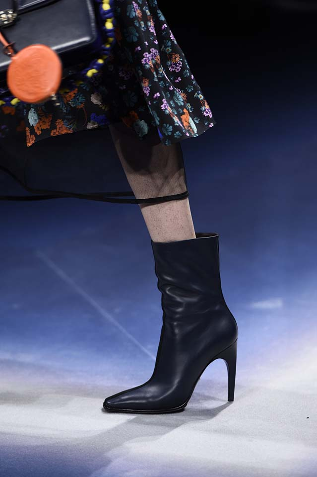 Versace-fw17-rtw-fall-winter-2017-18-accessories-details-collection (34)