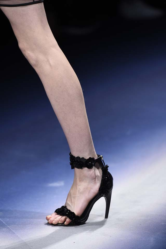Versace-fw17-rtw-fall-winter-2017-18-accessories-details-collection (54)