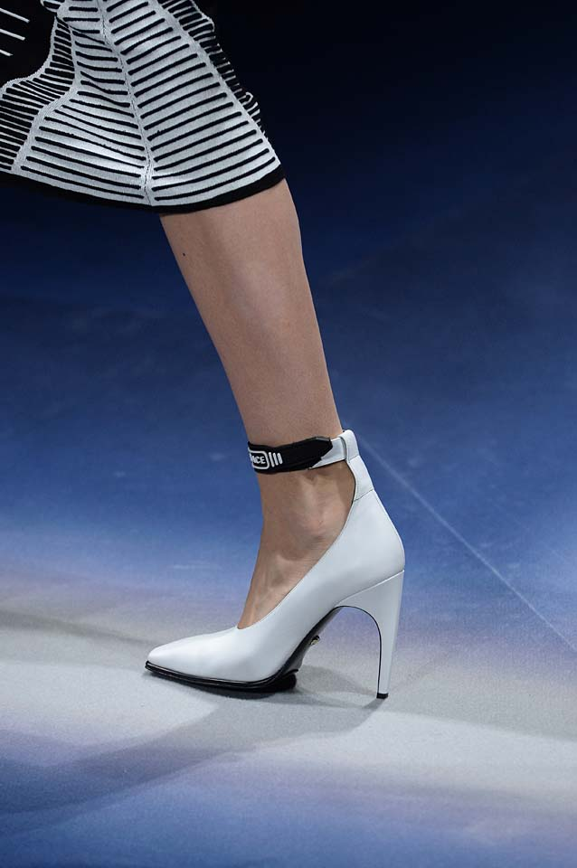 Versace-fw17-rtw-fall-winter-2017-18-accessories-details-collection (84)-white-heels
