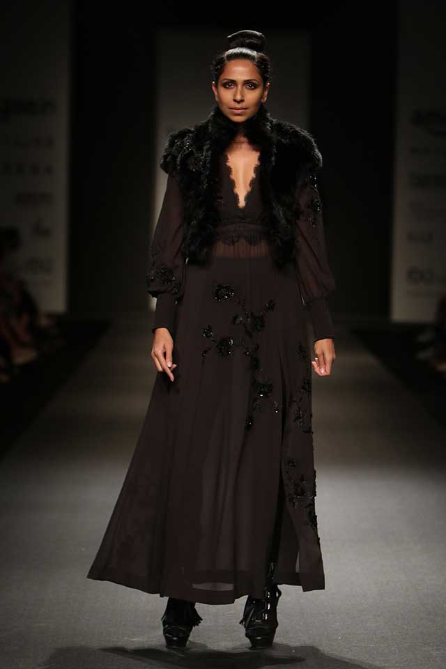 Vineet-bahl-aifw17-amazon-india-fashion-week-2017-collection-dresses-8-black-maxi-dress
