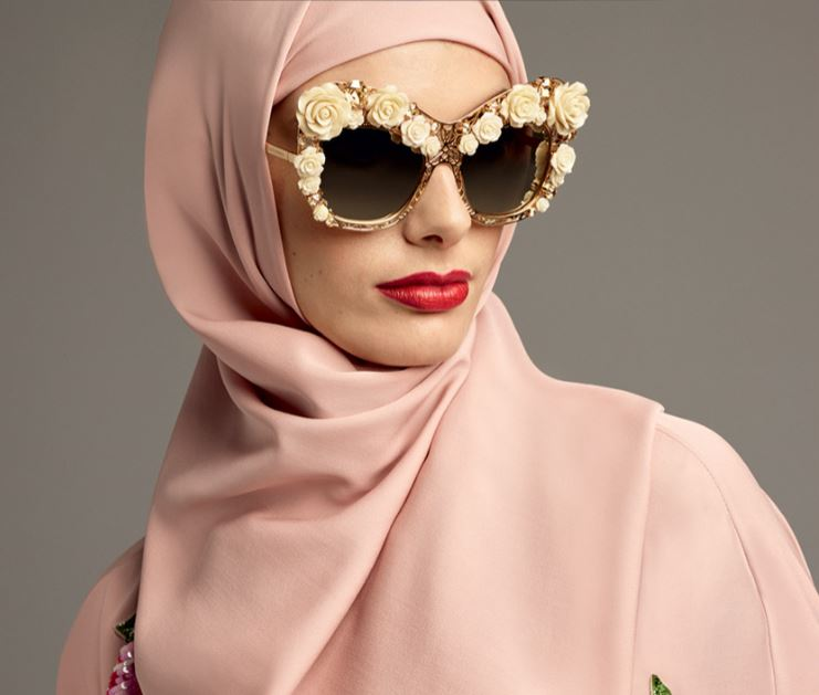 abaya-fashion-dolce-gabbana-sunglasses-pink