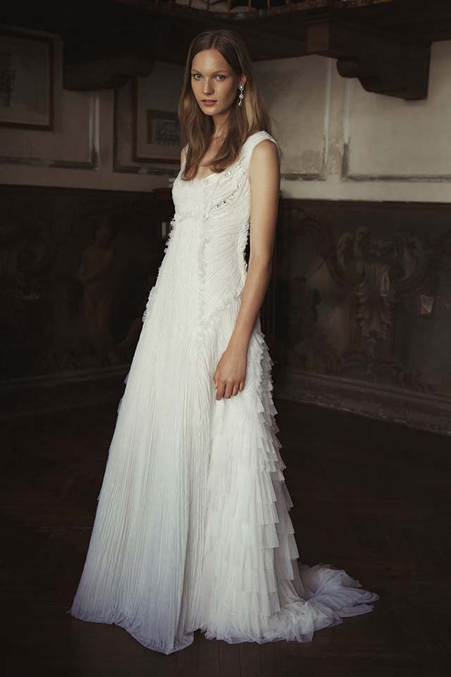 alberta-ferretti-bridal-fall-winter-2017-collection (10)-ruffles-pleated-white-gown
