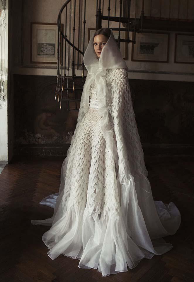 alberta-ferretti-bridal-fall-winter-2017-collection (15)-veil-textured-fabric-sheer-frills