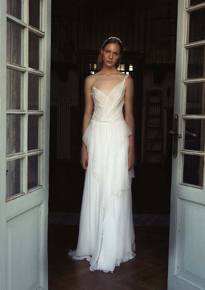 alberta-ferretti-bridal-fall-winter-2017-collection (2)-one-shoulder-sheer-ruffles-gown