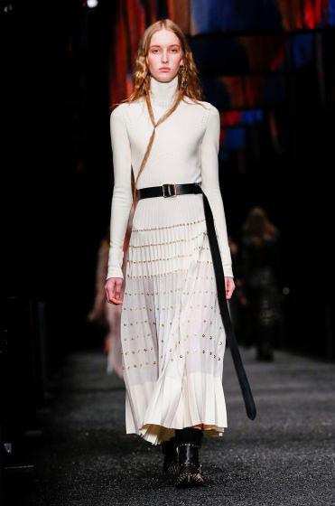 alexander-mcqueen-fw-17-fall-winter-2017-18-collection (29)-white-dress