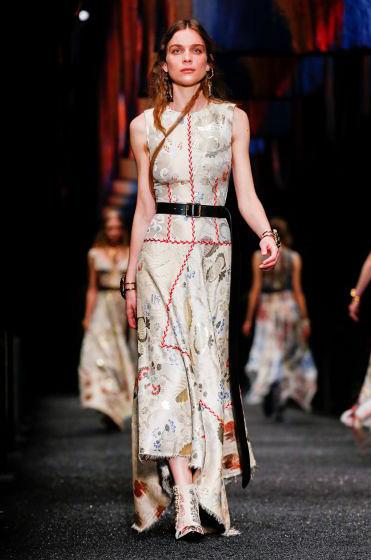 alexander-mcqueen-fw-17-fall-winter-2017-18-collection (34)-printed-silk-dress
