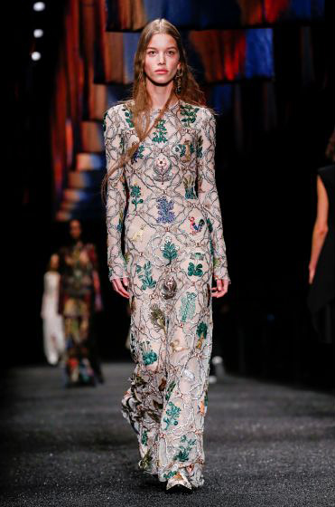alexander-mcqueen-fw-17-fall-winter-2017-18-collection (38)-embellished-printed-dress