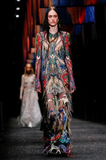 alexander-mcqueen-fw-17-fall-winter-2017-18-collection (39)-printed-fringed-dress