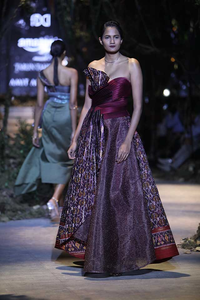 amit-aggarwal-amazon-india-fashion-week-2017-dress-indian (15)-patchwork-saree-gown