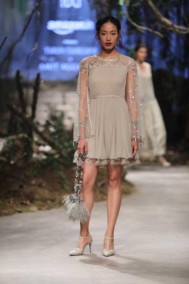amit-aggarwal-amazon-india-fashion-week-2017-dress-indian (35)-pretty-grey-dress-sheer-sleeves