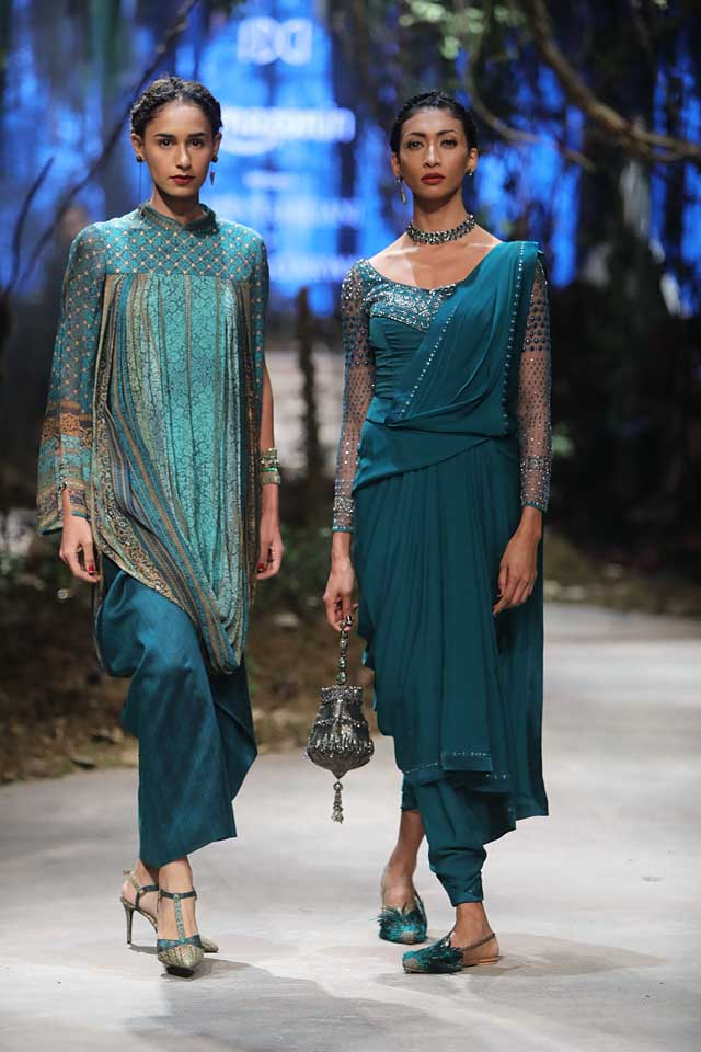 amit-aggarwal-amazon-india-fashion-week-2017-dress-indian (39)-green-saree