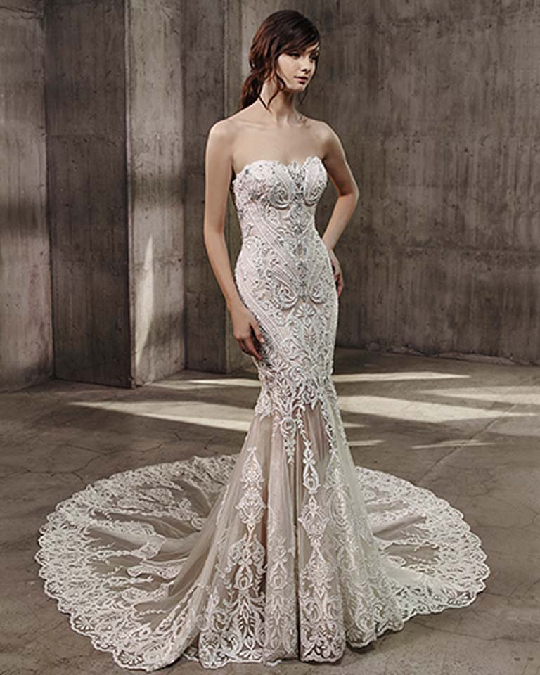 badgley-mischka-fall-winter-2017-bridal-collection-long-trails (6)-lace-sheer-gown