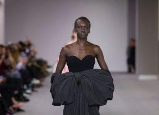 balenciaga-fw17-rtw-fall-winter-2017-18-collection-black-gown-bow