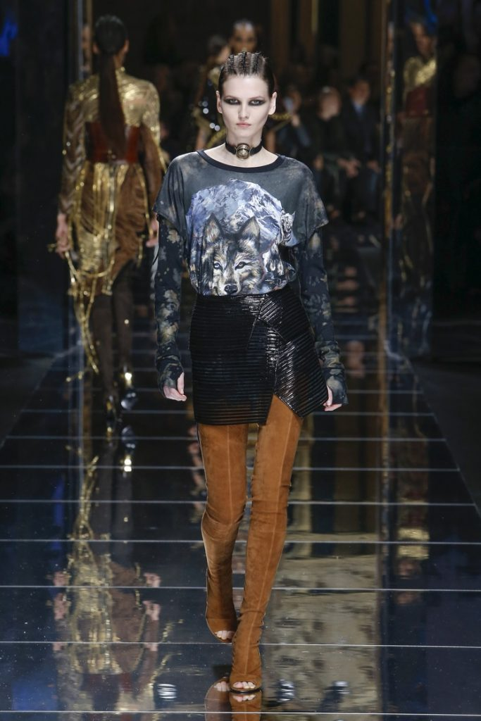 balmain-fw17-rtw-fall-winter-2017-18-collection (12)-graphic-printed-tee-shirt
