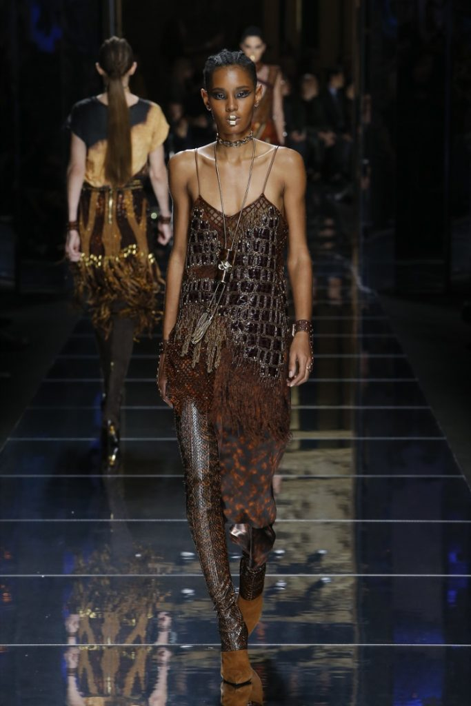 balmain-fw17-rtw-fall-winter-2017-18-collection (2)-glitter-outfit