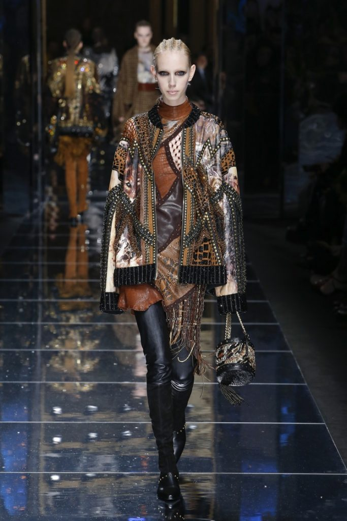 balmain-fw17-rtw-fall-winter-2017-18-collection (34)-graphic-print-jacket-long-sleeves