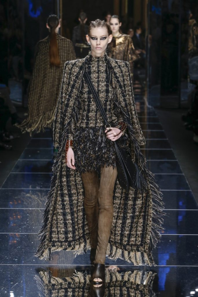 balmain-fw17-rtw-fall-winter-2017-18-collection (54)-cape-fringes